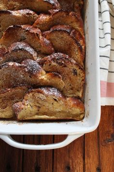Coquito French Toast by Saveur. Rich with coconut flavor and spiked with rum, this recipe falls somewhere between a decadent French toast and bread pudding. Brunch Recipes, Breakfast Recipes, Sweet Recipes, Yummy Recipes, Puerto Rico, Recetas Puertorriqueñas, Challah French Toast, Comida Boricua, Gourmet