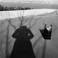 Self Portraits Portfolio: As reclusive and private as Vivian Maier was, her self portrait photographs reveal a telling story. Thoughtfully posed, and often innovative, her self as a subject allows a depiction of her as she wants the world to see it. History Of Photography, Street Photography, Portrait Photography, Shadow Photography, Vivian Maier Street Photographer, Vivian Mayer, Chicago Magazine, Foto Art, Portraits
