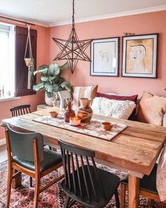 Awesome Awesome Moroccan Dining Room Design You Should Try Coral Living Rooms, Pink Dining Rooms, Cottage Dining Rooms, Dining Room Walls, Dining Room Lighting, Dining Room Design, Dining Decor, Cosy Dining Room, Orange Dining Room