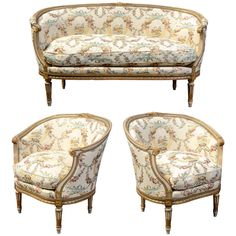 Shop settees and other antique and modern chairs and seating from the world's best furniture dealers. Italian Furniture Design, Luxury Home Furniture, French Furniture, Classic Furniture, Furniture Styles, Unique Furniture, Living Room Furniture, Wooden Sofa Set, Traditional Dining Rooms