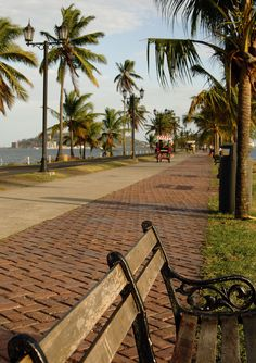 Causeway, Panamá City Wow...has this ever changed!