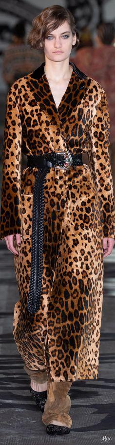 Leopard Fashion, Animal Print Fashion, Animal Prints, Fashion 2020, High Fashion, Fashion Trends, Leopard Coat, Coat Dress, Top Coat