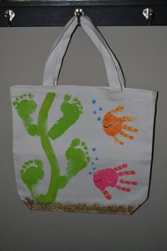 I love the footprint seaweed. Trying to figure out how to incorporate this into my bathroom art.