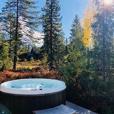 Ble du litt fristet?Frisk kald høstluft og et deilig varmt bad - det er ikke feil! #vvseksperten #vikingbad #utespa #outdoorspa # 💦💦💦....#utespa #boblebad #jacuzzi #hytteliv #husoghage #norskehjem #inspirasjonsguidennorge #bobedre #boligdrøm #liveterbestute 📷: @vvseksperten