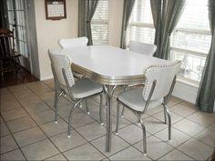 branco retro cozinha, cadeiras de foto - 1