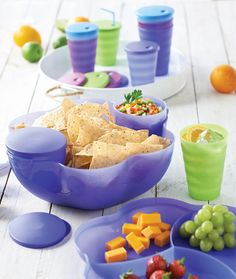 Tupperware Chip N Dip Bowl