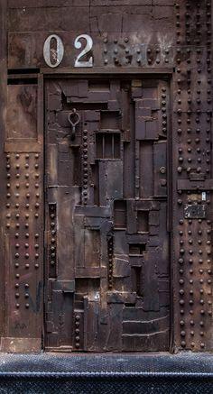 Discover the best selection of Door Pulls designed for you. Discover the best s Modern Entrance Door, Entrance Doors, Doorway, Cool Doors, Unique Doors, Bric À Brac, Vault Doors, Industrial Door, Rustic Doors