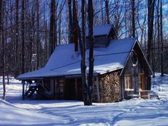 cabanes a sucre rustique - Yahoo Canada Image Search Results Canada Images, Barns Sheds, Shed Homes, Farm Barn, Cabins In The Woods, Tiny House, Cottage, Maple Syrup, Photos