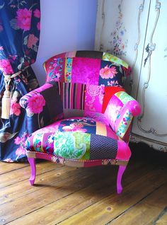 This chair is a great example of how a patchwork piece like this goes well in a colorful room with alike pieces, like the curtains. It gives a happy and springlike feeling.