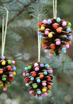 32 DIY Christmas Ornaments That Are Worlds More Special Than Store-Bought - First for Women While you're whipping up some DIY Christmas decorations, don't forget the tree! These holiday crafts will take your spruce from stale to stunning. Christmas Crafts For Kids, Christmas Activities, Diy Christmas Ornaments, Homemade Christmas, Christmas Projects, Holiday Crafts, Christmas Gifts, Christmas Ideas, Ornaments Design
