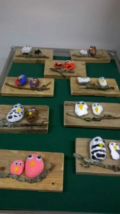 Art elementary school - picture with stone birds # art elementary school spring crafts . Projects For Kids, Diy For Kids, Wood Crafts, Diy And Crafts, Craft Projects, Crafts For Kids, Arts And Crafts, Wood Painting Art, Wood Art