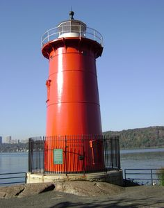Jeffrey's Hook Lighthouse in Washington Heights, which relocated to its current site in is known as the building in the children's book The Little Red Lighthouse and the Great Gray Bridge Photograph: Historic House Trust Washington Square, George Washington Bridge, Little Red Lighthouse, Fort Lee, Washington Heights, Hudson River, Historic Homes, Renewable Energy, Open House
