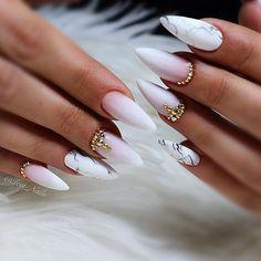 #swarovskicrystals #swarovskinails #nails #nail #nailsdesign #nails #nailart