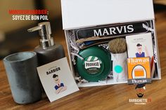 Offre d'abonnement Monsieur Barbier pour changement mensuel de lames de rasoir - Gamme de rasoirs et de coffrets cadeaux pour les hommes