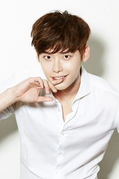 Lee Jong Suk Is the New Face of Chinese Fashion Brand Semir