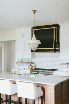 Are you tired of that same old cabinet design? A look into some modern kitchen with island: these may inspire you to make a change! Modern Kitchen Island, White Kitchen Cabinets, Wood Cabinets, Kitchen Design, Kitchen Decor, Kitchen Ideas, Kitchen Inspiration, Kitchen Trends, Kitchen Interior