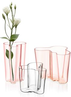 Stained glass vase, designed by Alvar Aalto for Iittala Cafe Interior, Best Interior Design, Boat Interior, Interior Ideas, Alvar Aalto Vase, Flower Vases, Flower Pots, Clear Vases, Glass Design