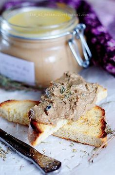 Паштет из куриной печени с оливками (Mousse de foie de volaille)