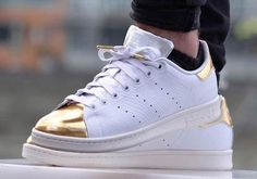 (Photo) Kicks: Adidas Stan Smith Gold Toe Sneaker Is Available Now!