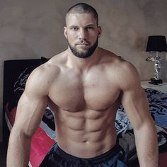 Muscle Hunks, Muscle Men, Man 2 Man, Husband Best Friend, Hairy Hunks, Ideal Body, Big Muscles, Guy Pictures, Transformation Body