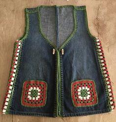Crochet Fabric, Knit Crochet, Crochet Clothes, Diy Clothes, Denim Ideas, Recycle Jeans, Designs For Dresses, Crochet Jacket, Old Jeans