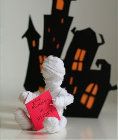 This doll is simple enough for even the smallest hands to make. All you'll need is gauge wire and muslin. #Halloween #Craft