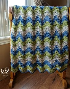 Get a free copy of the Tranquil Waves Ripple Blanket crochet pattern right here! Featuring 3 colors of Bernat Maker - Home Dec this afghan is beautifully soft and cosy! Perfect for cool evenings. via @OombawkaDesign