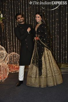 Find top 21 trending metallic bridal lehenga designs for this wedding season. Metallic bridal lehenga designs you cannot afford to miss, must check out once. Indian Bridal Outfits, Indian Bridal Lehenga, Indian Designer Outfits, Indian Dresses, Gold Lehenga Bridal, Lehnga Dress, Lehenga Choli, Sabyasachi Lehenga Bridal, Lehenga Style