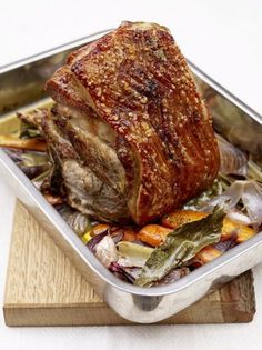 A brilliant pork shoulder roast recipe from Jamie Oliver. This slow roast pork shoulder cooks for 6 hours, for juicy meat and perfect pork crackling. Slow Roasted Pork Shoulder, Pork Shoulder Recipes, Pork Shoulder Recipe Oven, Bone In Pork Butt Recipe, Pork Joint Recipe, Pork Shoulder Picnic Roast, Pork Shoulder Blade Roast, Roast Recipes, Cooking Recipes