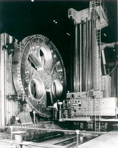 Declassified picture from Department of Energy working on a nuclear power plant. You could easily bore a two story house with that. Check out the link in my profile Machinistlife.com #boringmill #machinist #machining #Metalworking #oldtools #toolporn #machinistporn #machinists #machineporn #machinistlife
