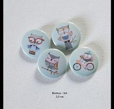 **Buttonset- Button Set Eulen 4 x 2,5 cm **  Zum Vorteilspreis gegenüber Einzelkauf.  Jacken, Pullis, Taschen anstecken - fertig aufgehübscht oder auch als...
