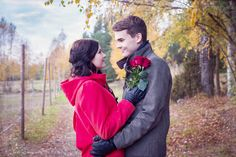 Autumn couple photography, engagement photography | Mariella Yletyinen Photography