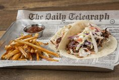 Memphis tacos at Old Crow Smokehouse in Lakeview-Can Wrigleyville sustain another BBQ restaurant? (The answer is yes. Taco Restaurant, Restaurant Recipes, Bbq Restaurants, Small Bbq, Food Business Ideas, Taco Catering, Asian Bbq, Twice Baked Sweet Potatoes, Café Bar