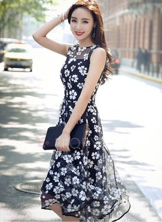 Shop Floryday for affordable Dresses. Floryday offers latest ladies' Dresses collections to fit every occasion. Vestidos Vintage, Vintage Dresses, Manga Floral, Asian Fashion, Asian Woman, Fashion Dresses, Feminine, Skirts, Fashion 2016