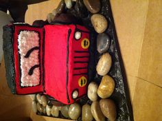 Jeep cake Jeep Cake, Cake Ideas, Sweets, Babies, Drink, Desserts, Recipes, Food, Tailgate Desserts