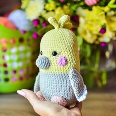 The crochet yellow corella parrot is a great gift for bird lovers. Right here you can see how to make this amigurumi parrot. The height … Crochet Parrot, Crochet Penguin, Crochet Birds, Crochet Amigurumi, Amigurumi Doll, Cute Crochet, Amigurumi Patterns, Crochet Dolls, Crochet Patterns