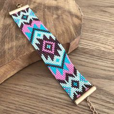 off loom beading techniques Loom Bracelet Patterns, Bead Loom Bracelets, Bead Loom Patterns, Bracelet Crafts, Beaded Flowers Patterns, Native Beading Patterns, Beaded Jewelry Patterns, Native Beadwork, Tapete Floral