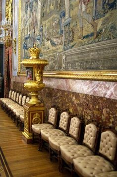 1000 images about palacio real de madrid on pinterest for Comedor waterdog royal house