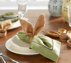 DIY Pottery Barn Burlap Bunny-Ear Napkin Rings For Your Spring Table