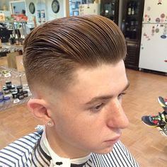 Razor faded Pompadour #hair #haircut #barber #fade #faded #skin #skinfade #taper #skintaper #taperfade #pomp #pompadour #classic #style #hairstyle #hardpart #clean #cut #fresh #florida #barbers #whal #follow #naplesbarber #naplesbarbershop #5thavenuebarbershop #reuzel #pomade #reuzelpomade