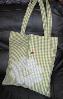 Borsa shopper, con grande fiore ricamato con la Broderie suisse, chicken scratch, bag, spring.