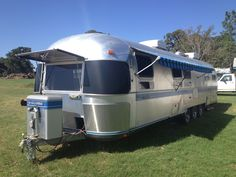 Giant Airstream or land submarine. Vintage Campers Trailers, Vintage Airstream, Camper Trailers, Cool Campers, Rv Campers, Airstream Caravans, Airstream Interior, Camping Life, Bed And Breakfast