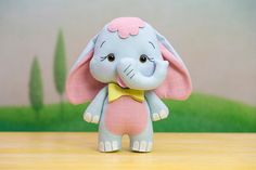 Animal Sewing Patterns, Felt Patterns, Fabric Toys, Felt Fabric, Felt Crafts Diy, Sewing Stuffed Animals, Funny Toys, Baby Sewing Projects, Bunny Art