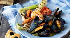 Grillade blåmusslor och räkor med saffranskryddsmör Ratatouille, Eggplant, Vegetables, Ethnic Recipes, Food, Grilling, Veggies, Eggplants, Vegetable Recipes