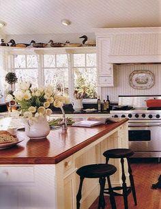 love the big kitchen island
