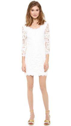 Pin for Later: Osez dire non aux traditions et mariez-vous autrement qu'en robe longue ! Robe en dentelle Zarita de Diane von Furstenberg Diane von Furstenberg 'Zarita' lace dress (359 €)