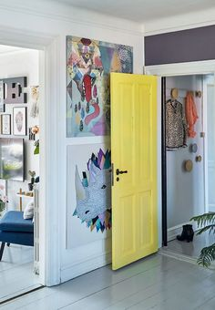 Play with the colours to create some contrasts like here a yellow door against a purple wall.