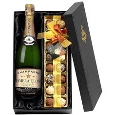 What better way is there to celebrate any occasion than with Champagne and Chocolates. This personalised Champagne and Chocolates gift set is the perfect gift to celebrate any occasion. Wine Gift Boxes, Wine Gift Baskets, Wine Gifts, Basket Gift, Presents For Best Friends, Good Birthday Presents, Chocolate Gifts, Chocolate Truffles, Christmas Gift Sets