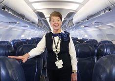 Azafata de American Airlines cumplió 82 años de edad y aún no se ... - Segundo Enfoque
