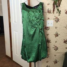 Emerald Green Dress Nice, fun dress!  Silk feel dress worn one time, excellent condition. Sugar Lips Dresses